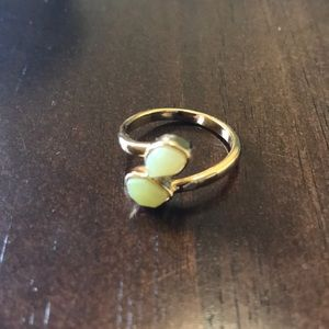Jewelry - Stoned wrap ring